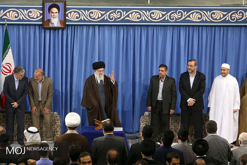 شرکتکنندگان در مسابقات بینالمللی قرآن کریم صبح امروز با رهبر معظم انقلاب دیدار کردند