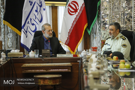 دیدار فرمانده نیروی انتظامی با علی لاریجانی