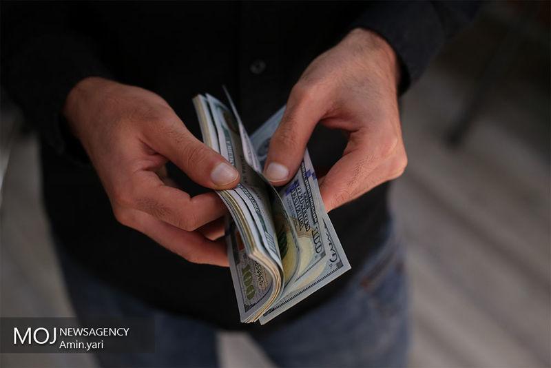 ادامه سیر نزولی قیمت دلار در اولین روز هفته