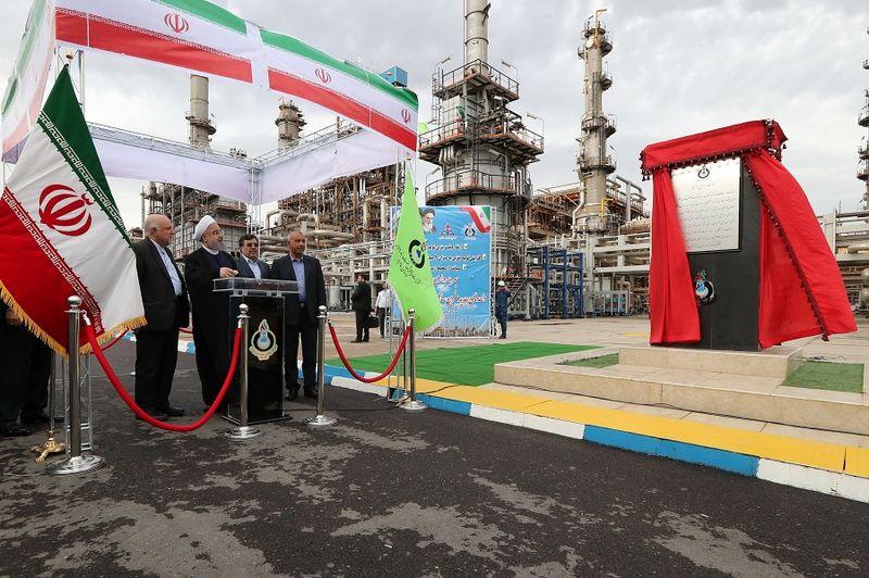 طرح افزایش تولید و ارتقای کیفیت بنزین و گازوئیل پالایشگاه نفت بندرعباس افتتاح شد