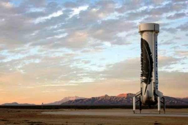 بنیانگذار آمازون در فرونشاندن عمودی راکت موفق علم کرد