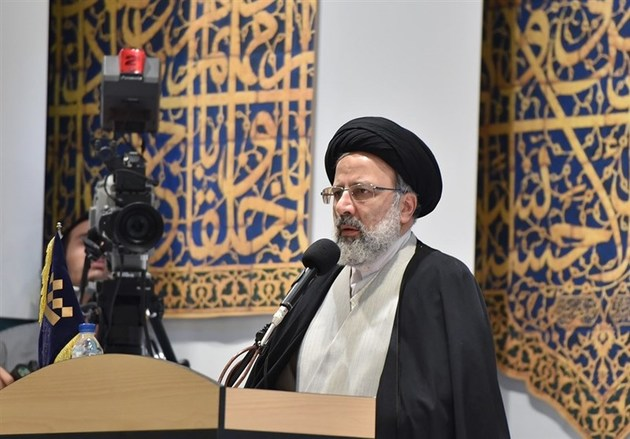 مشهد مقدس باید تبدیل به مرجعیت علمی جهان اسلام شود
