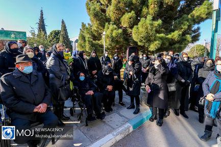 تشییع پیکر شهید مدافع سلامت محمد گلشن در اصفهان