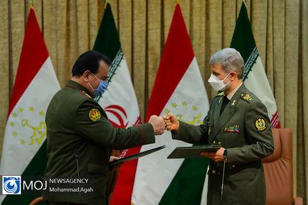 امضای تفاهم نامه همکاری دفاعی میان ایران و تاجیکستان