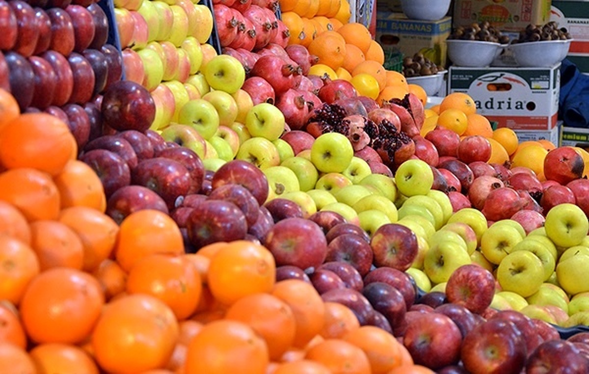 حداقل ۶۰ درصد مراجعهکنندگان به میادین میوه و تره بار بانوان هستند