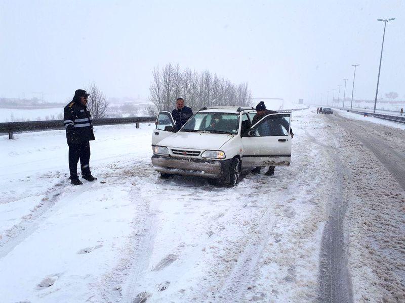 لغزندگی  در برخی محورهای مواصلاتی استان اصفهان