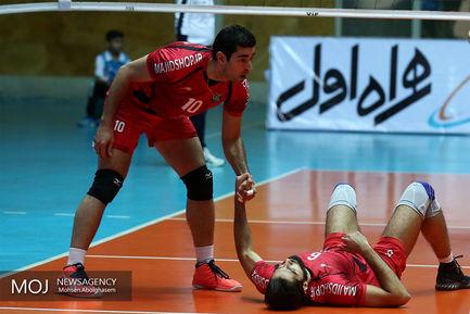 دیدار تیم های والیبال سایپا و پیام مشهد