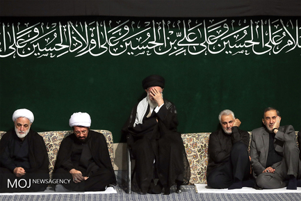 مراسم عزاداری شب عاشورای حسینی با حضور مقام معظم رهبری
