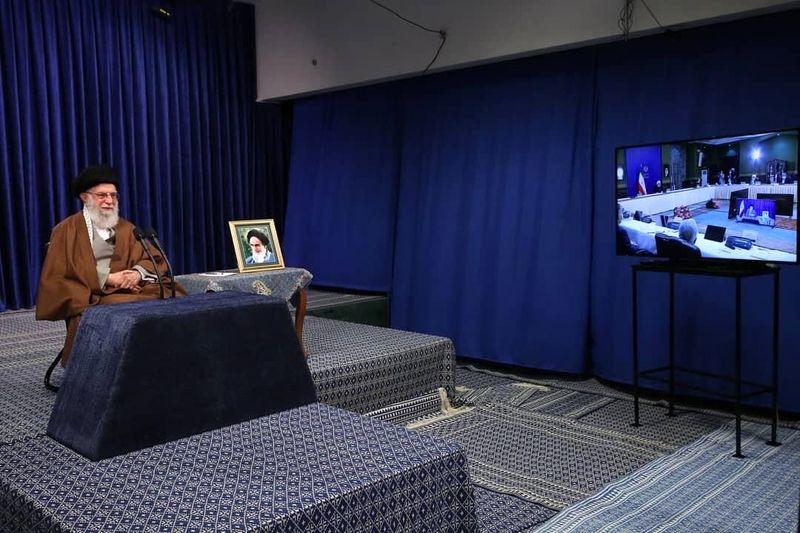 ارتباط تصویری رهبر معظم انقلاب با ستاد ملی مقابله با کرونا