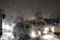 وقوع برف و کولاک در ۱۹ استان کشور/ امدادرسانی٦٣٩٠ نفر در ٨٦ محور کوهستانی