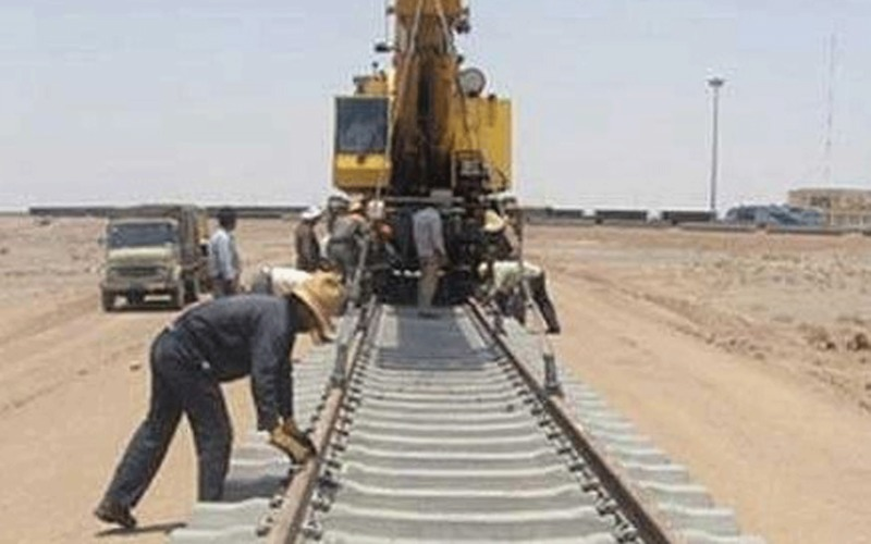عملیات ریل گذاری راه آهن چابهار- زاهدان با ریل ذوب آهن اصفهان آغاز شد
