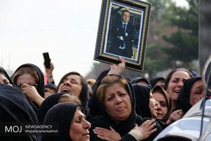 مراسم تشییع پیکر میلاد آروی از شهدای سانحه سانچی در شاهین شهر