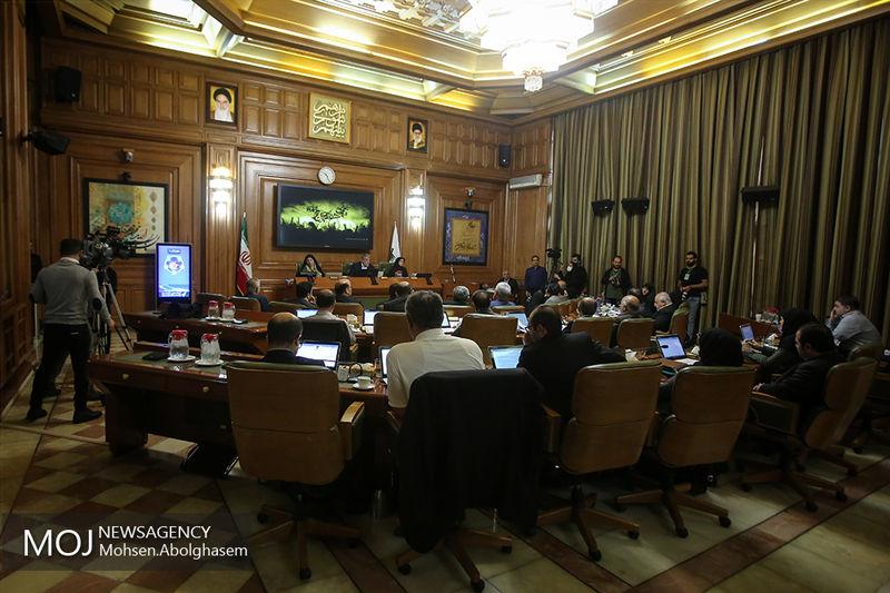 شورای شهر تهران تعرفه های جدید پایه هزینه جابهجایی درختان را تصویب کرد