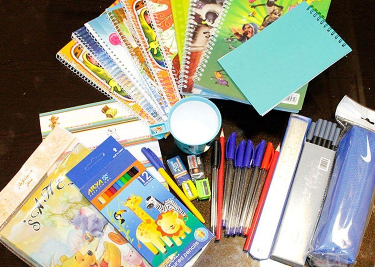 توزیع 200 بسته لوازم تحصیلی بین دانشآموزان یتیم بندرعباسی
