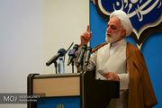 صحبتهای احمدی نژاد  خلاف شرع و قانون است