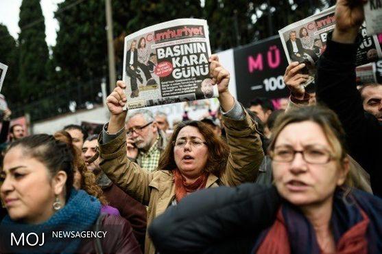 اردوغان پیش از کودتا نیز رسانه های هوادار گولن را تعطیل کرده بود