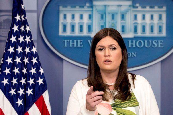 سارا سندرز استعفا داد