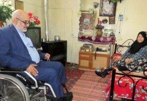 دیدار نوروزی مدیرکل بنیاد شهید و امور ایثارگران استان قم با 16خانواده معظم شهدا
