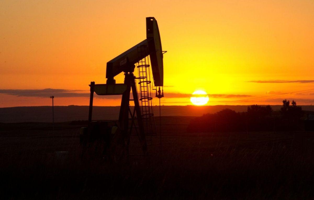 قیمت جهانی نفت در معاملات امروز ۲۵ فروردین ۱۴۰۰/ برنت به ۶۴ دلار و ۱۶ سنت رسید