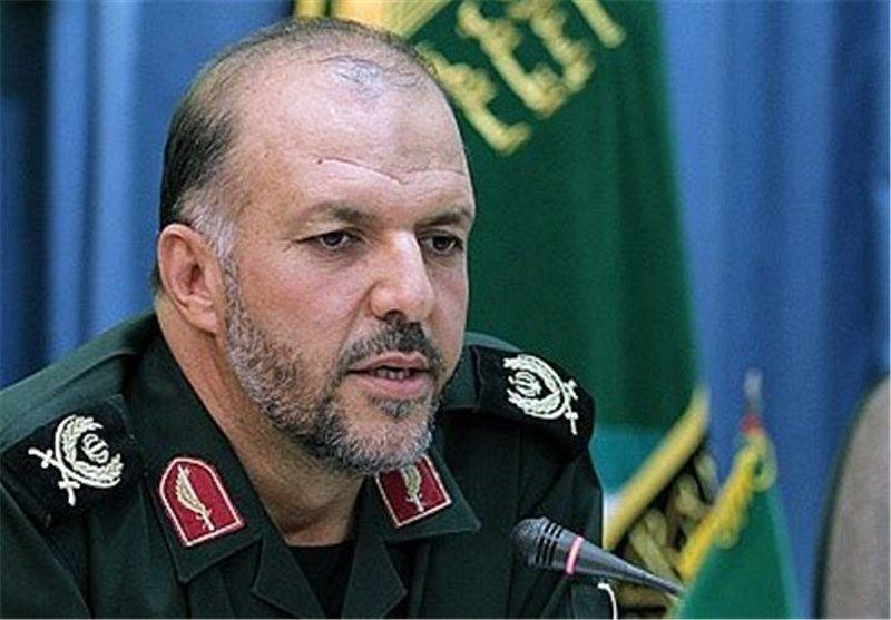 انقلاب اسلامی برگرفته از عاشورا و نهضت حسینی است