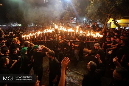 مشعل گردانی عرب های مقیم تهران در شب عاشورای حسینی
