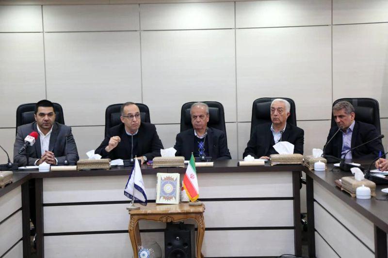 دولت با دستور سیاسی غلات کشور را تامین کند