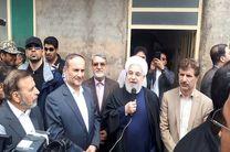 روحانی از مناطق سیل زده اهواز بازدید کرد