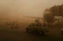 گرد و غبار پروازهای فرودگاه های آبادان و اهواز لغو کرد