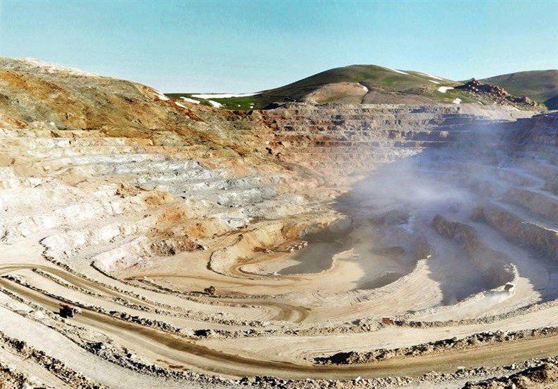 اعطای تسهیلات رونق تولید به فعالان حوزه معدن در هرمزگان