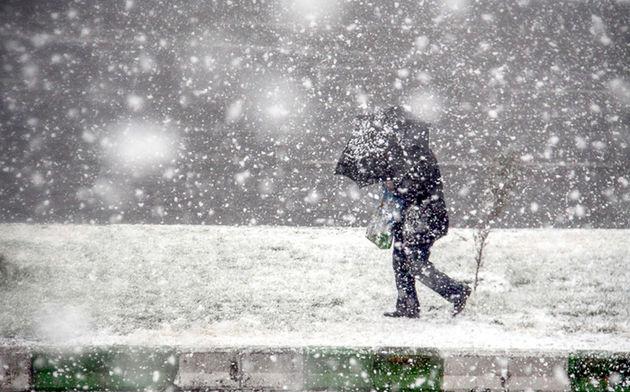 کاهش شدید دما و یخ زدگی معابر فردا 9 بهمن