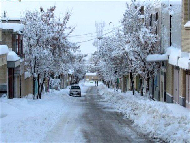 فریدونشهر پر بارشترین شهرستان در اصفهان / بارش 35 سانتیمتر برف