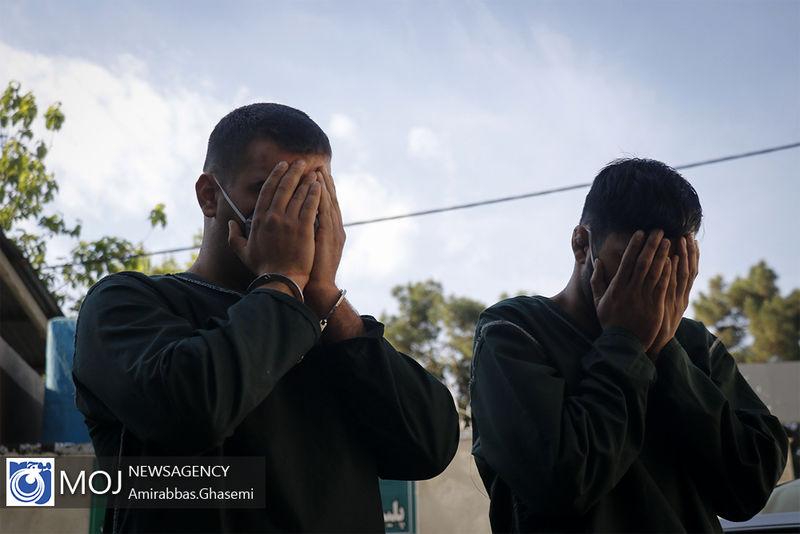 دستگیری 2 سارق مغازه در برخوار /  کشف 35 فقره سرقت