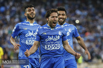 دیدار تیم های استقلال تهران و سپاهان اصفهان