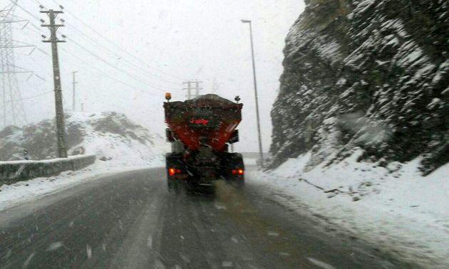 ممنوعیت تردد در 15 محور مواصلاتی/ اغلب محورهای مسدود در جنوب و غرب کشور