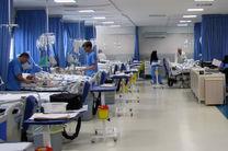 تبعات بدهی بیمه ها به مراکز درمانی/مردم آسیب می بینند