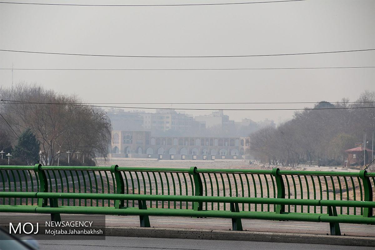 هوای اصفهان همچنان ناسالم برای گروه های حساس / شاخص کیفی هوا 115