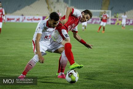 آغاز مسابقات هفدهمین دوره لیگ برتر فوتبال دیدار پرسپولیس و فولاد خوزستان