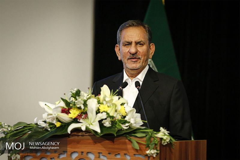 ملت ایران انقلاب کرد تا کسی نتواند به آنها امر و نهی کند