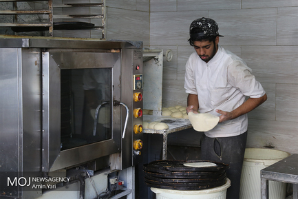 درامد های داغ - نانوایی