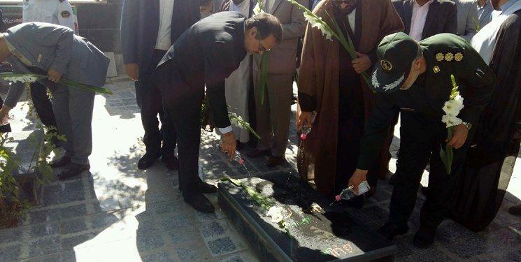 دیدار معاون رئیس قوه قضاییه با خانواده شهید اجاق در قروه