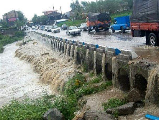 بارش شدید باران  و وقوع سیل در تالش/ قطع آب بیش از 200 خانوار دهستان خرجگیل اسالم