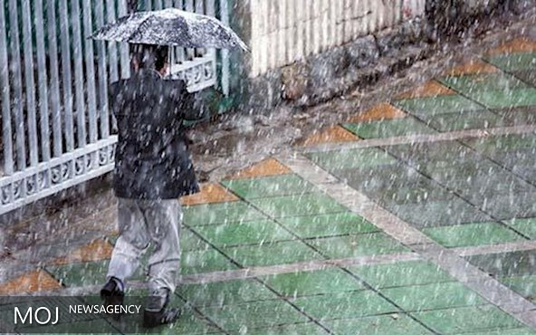 ورود سامانه بارشی از نیمه غربی کشور/پایداری شرایط یخبندان شبانه
