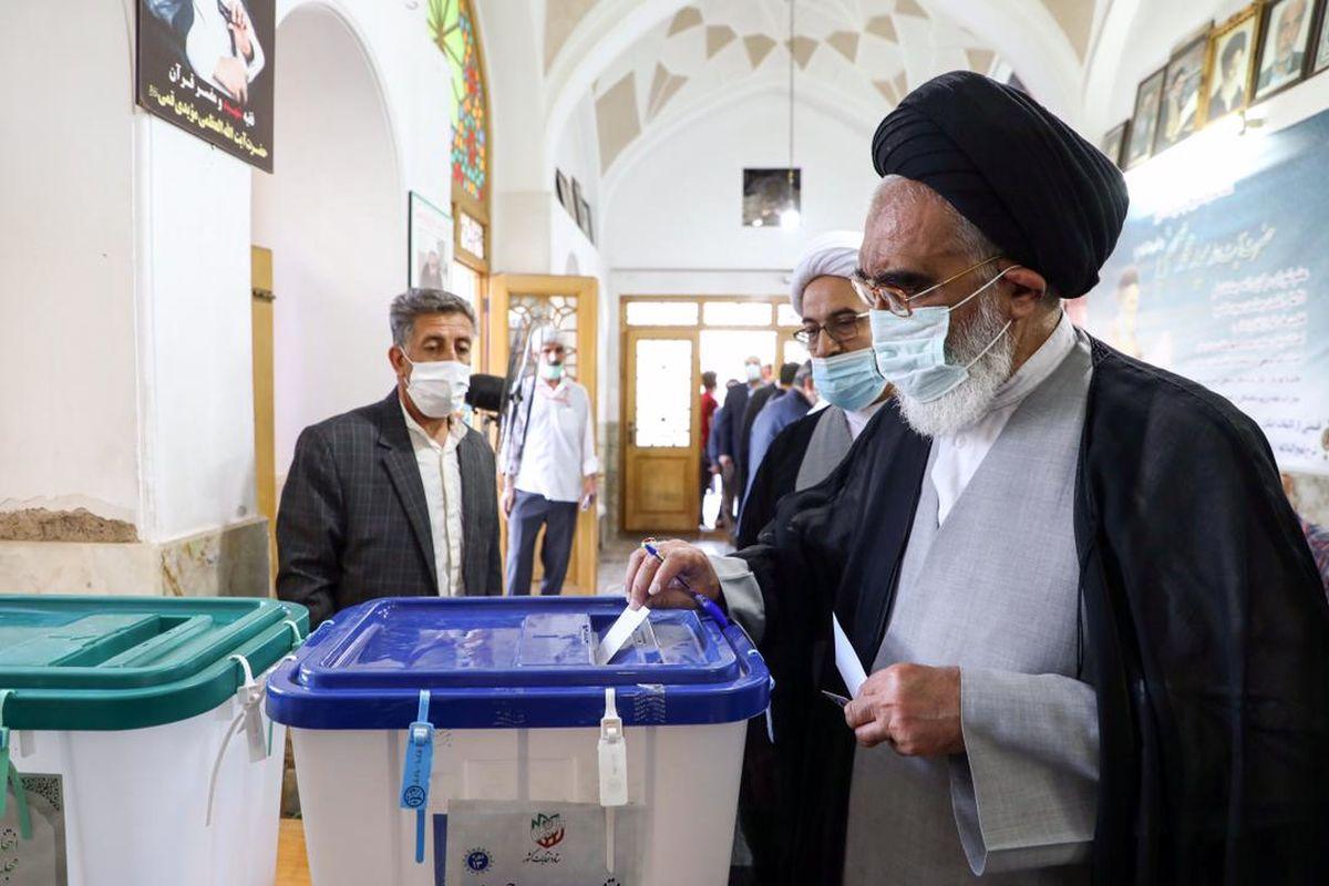 حضور در انتخابات نشان از انگیزه دینی و ملی مردم است