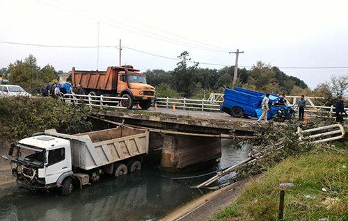 تصادف شدید دو خودرو در جاده لاکان رشت
