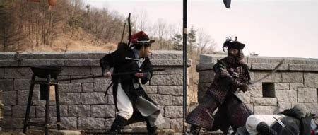 دانلود زیرنویس فیلم Arrow The Ultimate Weapon 2011