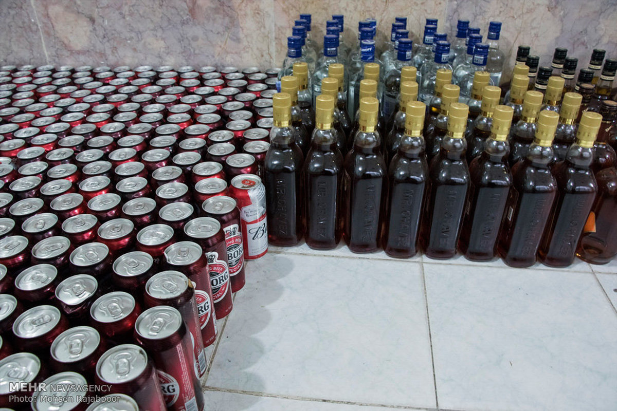کشف ابزار تولید مشروبات الکلی در بهاباد
