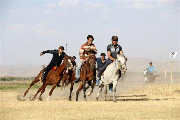 برگزار ی مسابقات کورس اسب سواری منطقه آزاد ماکو