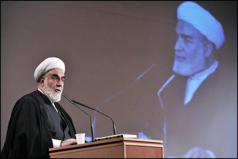 حجت الاسلام محمدی گلپایگانی رئیس دفتر رهبری به لرستان سفر میکند