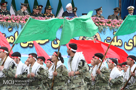 رژه روز ارتش با حضور رییس جمهوری