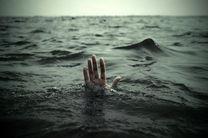 نجات ۳ نفر از مرگ حتمی در بندرعباس